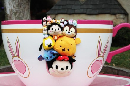 Zoom-Around-the-Park-with-Tsum-Tsum-Teacup