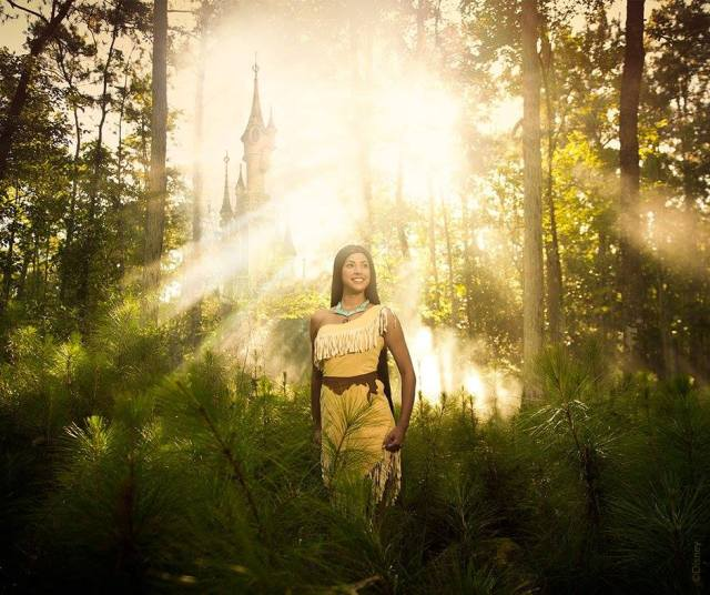 Pocahontas-Promo-Forêt-Enchantement-2016-Disneyland-Paris